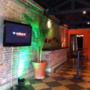 Monitor de TV 42 Polegadas - OCA Tupiniquim