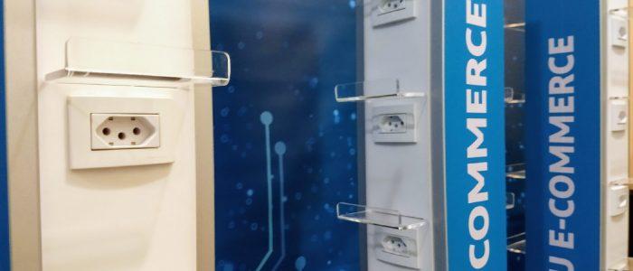 Totem Carregador de Celular Plug de Tomadas CS7 Solutions (2)